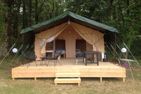 Les Cabanes de Rouffignac - Glampingguide.co.uk